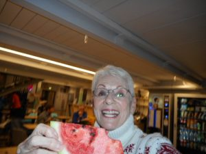 This is me tonight (9/13/2016), in my newest Hostel Netizen in Moscow. I was just gifted with watermelon to eat while I'm catching u on these Russian blogs.